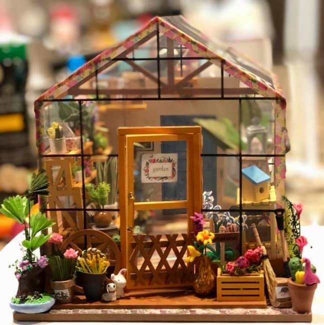 Robotime Miniature Kit- An Expanded Review Of Cathy's Flower House -  Everything you need to know about dollhouses and miniatures