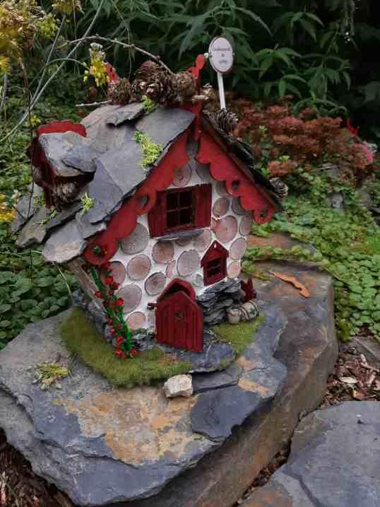 Finished fairyhouse in fairy garden 1