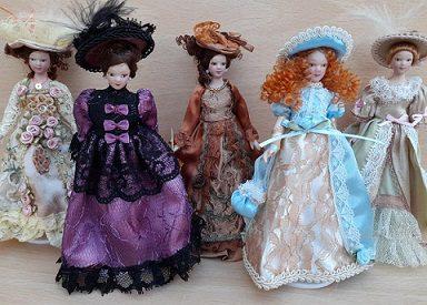 victorian dollhouse dolls