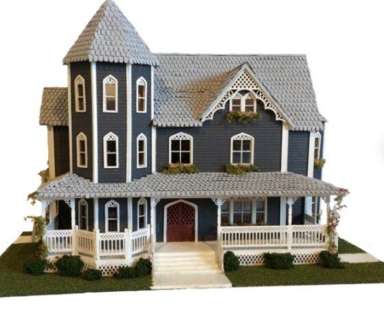 miniature victorian dollhouse
